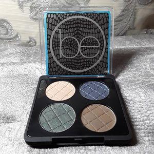 Rio Eyeshadow Compact Set